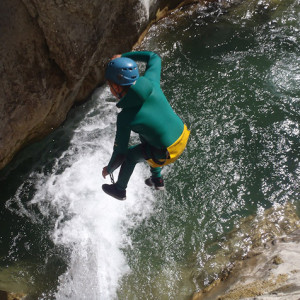 Canyoning a spectacular jump