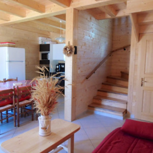 Chalet Valrouanne in Ancelle in the French Alps dining area