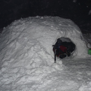Igloo Expedition - an igloo for the night