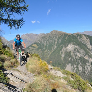 mountain biking near champoleon