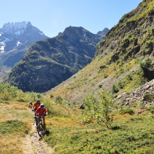 mountain biking ecrins