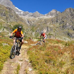 Mountain biking valgaudemar near Ecrins National P