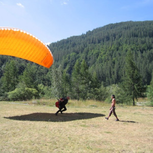 Paragliding course learning to fly in the Alps