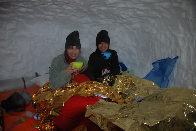 How to build an igloo or snow shelter