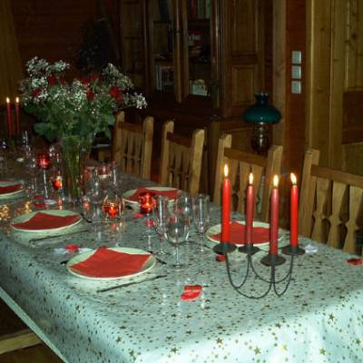 Chalet des Alpages - dining table for dinner