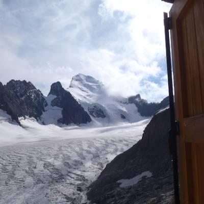 View of glacier dome des ecrins