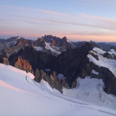climbing glacier barre des ecrins