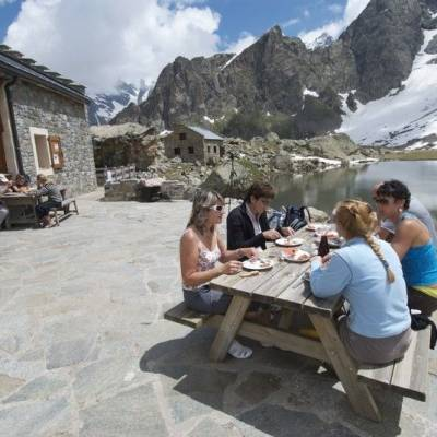 Eating on the Terrace of refuge de vallonpierre