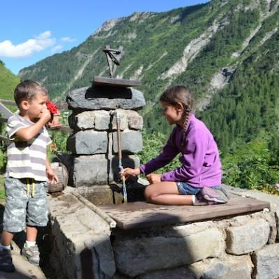 Refuge du Tourond water fountain