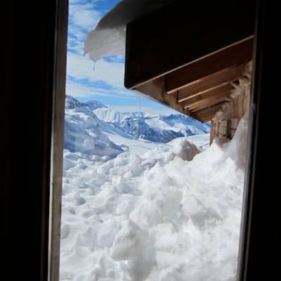 Refuge de la Blanche in winter