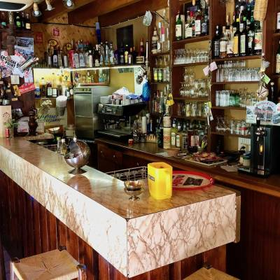 Hotel Restaurant Val des Sources bar.jpg