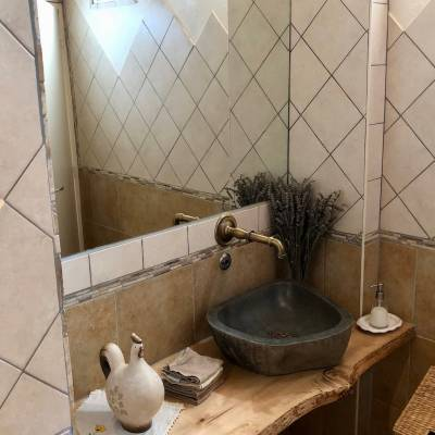 Hotel Restaurant Val des Sources bathroom.jpg