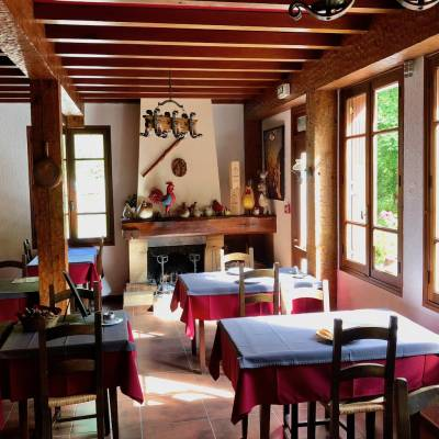 Hotel Restaurant Val des Sources restaurant.jpg