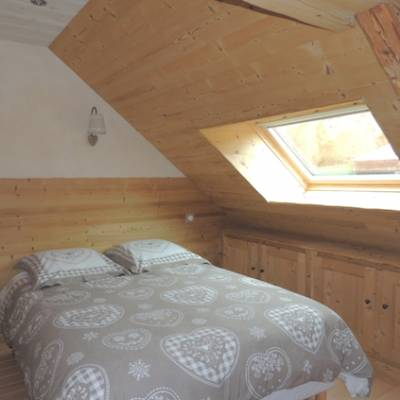 Maries farm in the French Alps bedroom