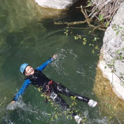 Canyoning-with-Undiscovered-Mountains-in-the-southern-french-alps-floating.jpg
