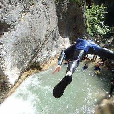 Canyoning-with-Undiscovered-Mountains-in-the-southern-french-alps-jump.jpg