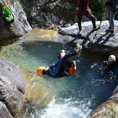 Canyoning-with-Undiscovered-Mountains-in-the-southern-french-alps-sommersault.jpg