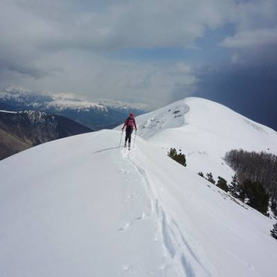 Ski touring on a ridge