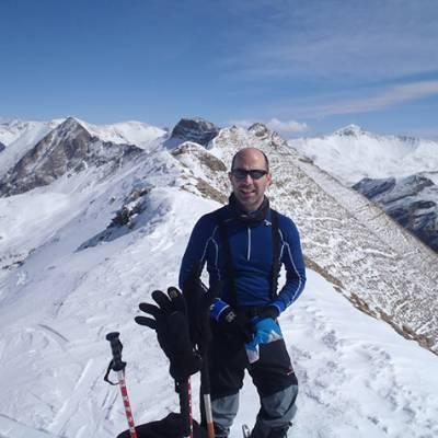 Ski touring on the summit