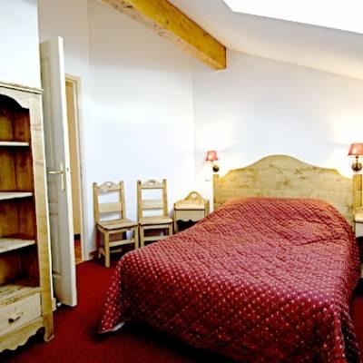 Rochebrune Residences double bedroom