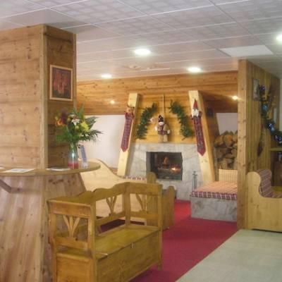 Rochebrune residences welcome lounge