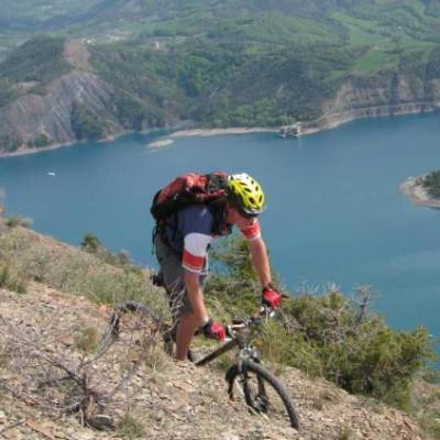 mountain biking serre poncon lake