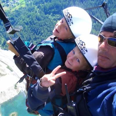 Paragliding - Triple tandem paragliding
