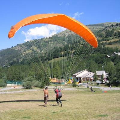 Paragliding learning to paraglide in the Alps