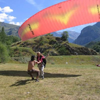 Paragliding learning to fly in the French Alps nea
