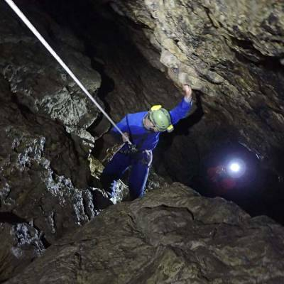 Sporty-Caving-on-a-summer-activity-holiday-in-the-Southern-French-Alps.jpg