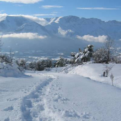 Snowshoeing view of lac de barbeyroux
