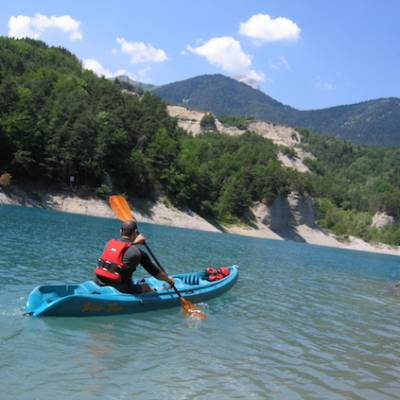Lake Kayaking on the lac du Sautet kayaking on the