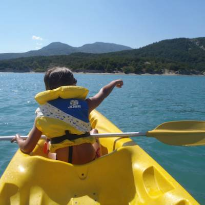 Lake kayaking - Lac du Serre Poncon - young boy in