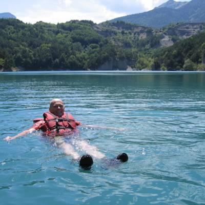Lake Kayaking on the Lac du Sautet jumping in wate