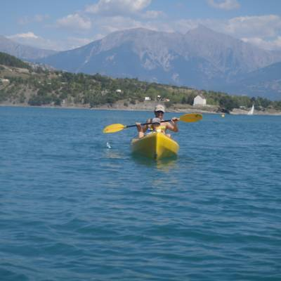 Lake Kayaking on the Lac du Serre Poncon - kayak f