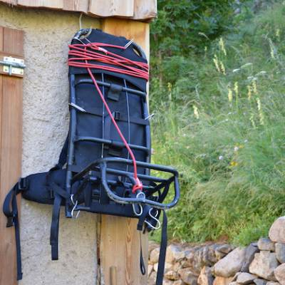 Refuge du Tourond porter backpack
