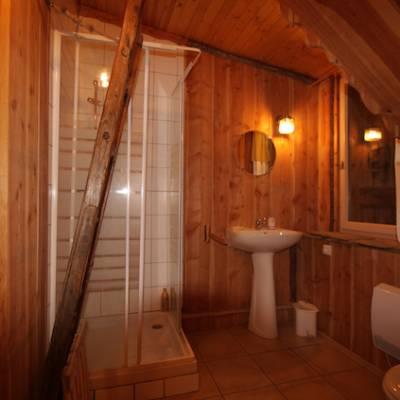 The Bear Stone - bathroom