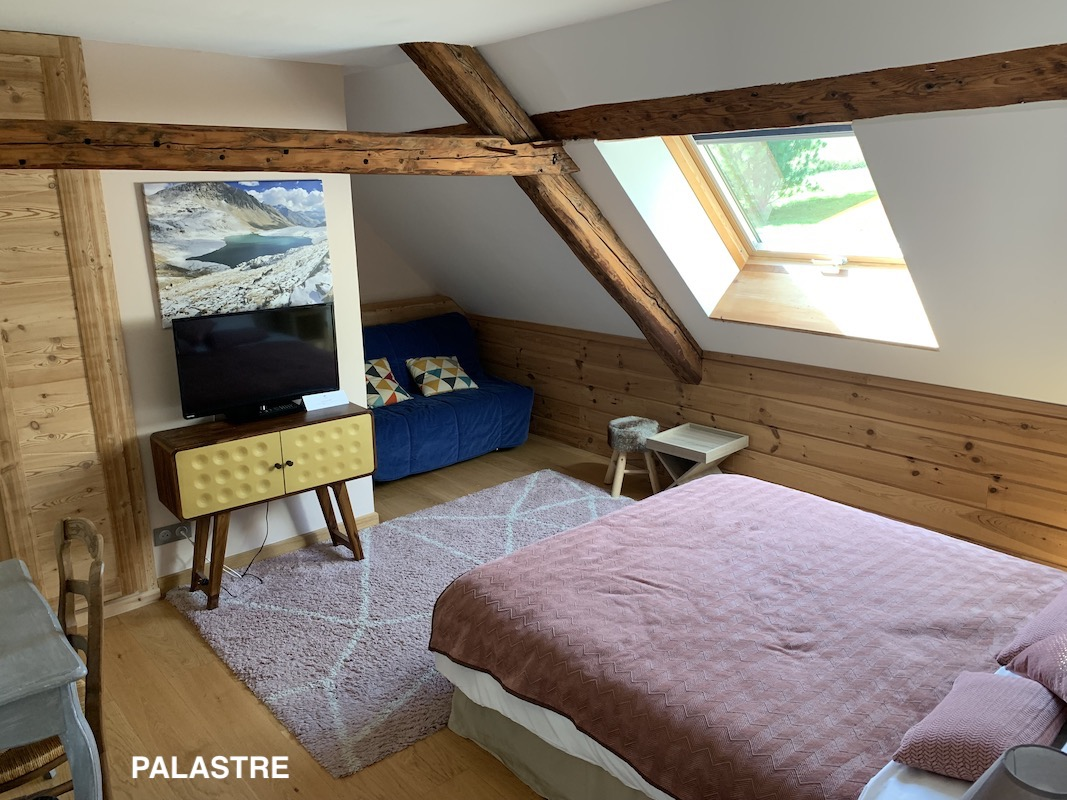 Luxury Farmhouse Guesthouse Palastre room Undiscovered Mountains.jpeg