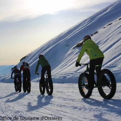 Fatbiking in the snow in the Undiscovered Mountains in the Alps--11.jpg