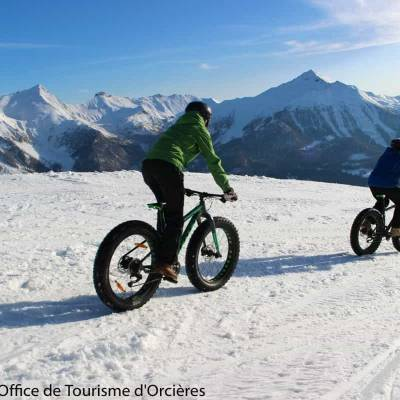 Fatbiking in the snow in the Undiscovered Mountains in the Alps--13.jpg