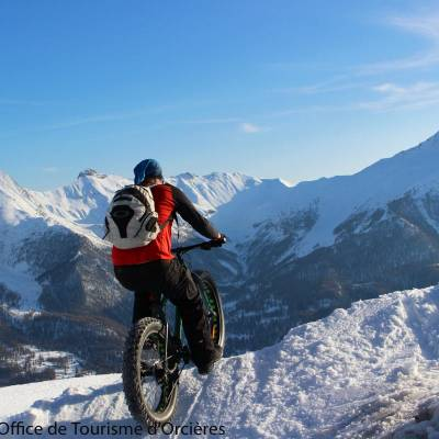 Fatbiking in the snow in the Undiscovered Mountains in the Alps--14.jpg