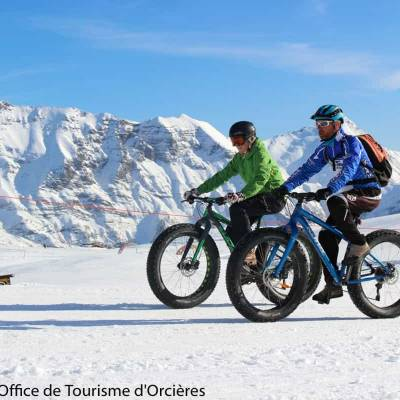 Fatbiking in the snow in the Undiscovered Mountains in the Alps--6.jpg