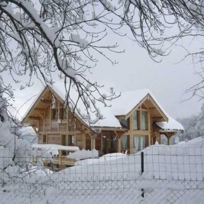Blondeau-self-catering-chalet-accommodation-in-the-Southern-French-Alps-in-winter.jpg