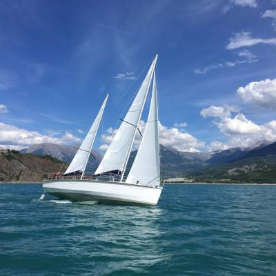 sailing on the serre poncon lake in the Alps (4 of 7).jpg