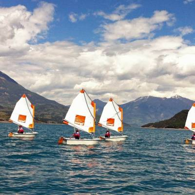 sailing-beginner-boats-in-the-Alps.jpg