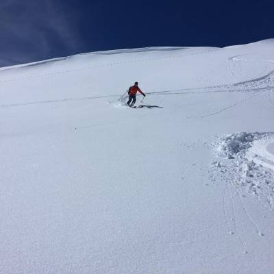 skiing with undiscovered mountains (1 of 1)-2.jpg