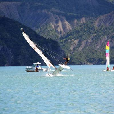 sailing-catamarans-on-the-serre-poncon-lake-in-the-Alps.jpg