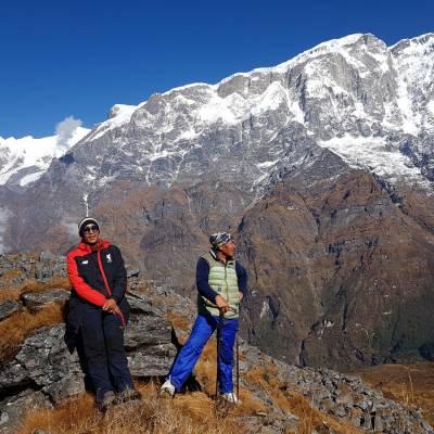 himalayan-view-with-sherpas.jpg