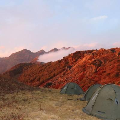 tent-in-himalayas.jpg
