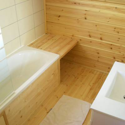 The Counit Chalet near Orcieres ski resort in the Alps bathroom